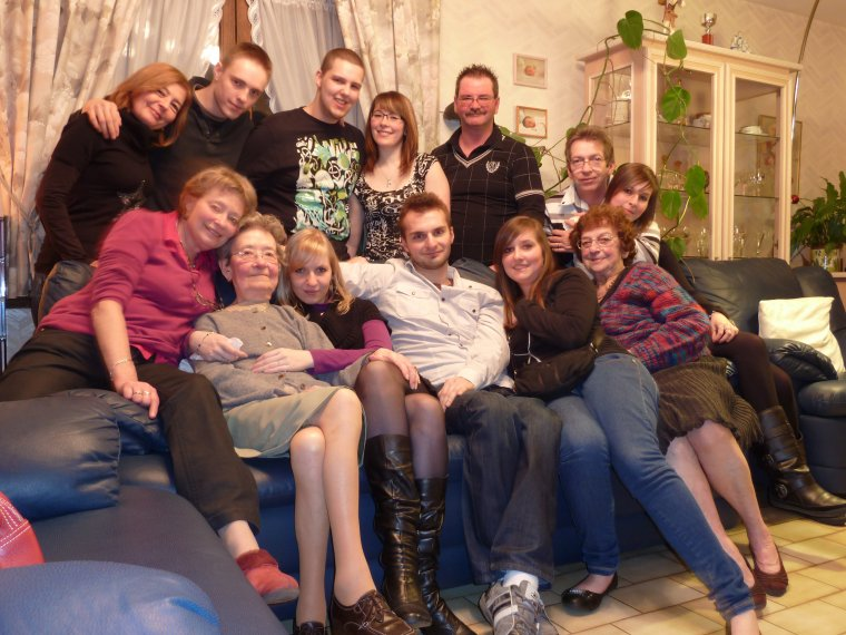 La famille il n'y a qu'ça d'vrai!! (l)