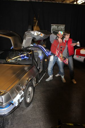 Marty Mc Fly et la Delorean ( Cosplay et Voiture made in Belguim )
