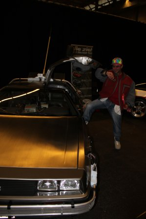 Marty Mc Fly et la Delorean ( Cosplay et Voiture made in Belguim )