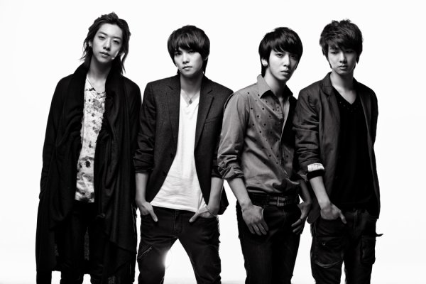 FT Island VS CN Blue