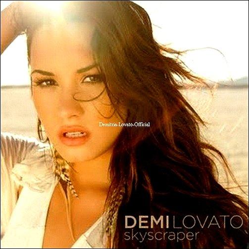 3 Juillet 2011 : Découvre en exclusivité sur Demitria-Lovato-Official la pochette officiel du single de Demi : SkyScraper