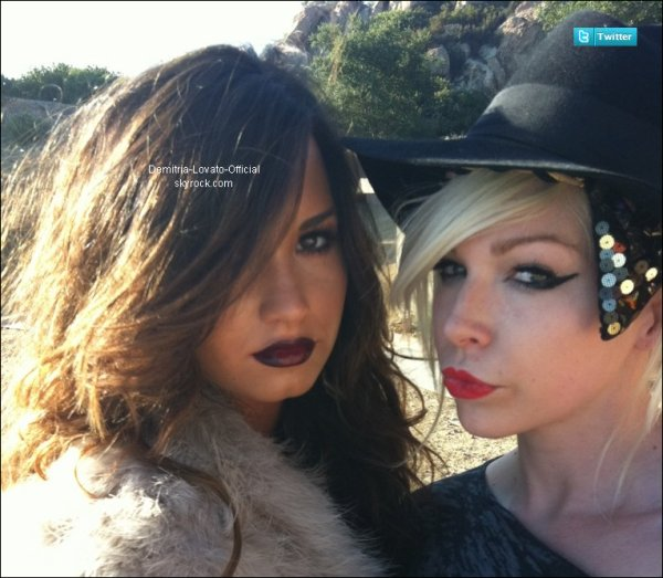 09 Août 2011: Music: Demi est dans les studio pour faire un photoshoot pour son prochain album qui sortira le 20 Septembre 2011