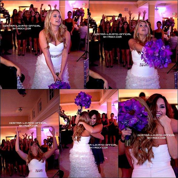.12.11.2011 : Demi & son chérie  ont assister au Mariage de  Tiffany Thorton dans l'Arkansas La cérémonie a eu lieu au Garvan Woodland Gardens à Hot Springs  .