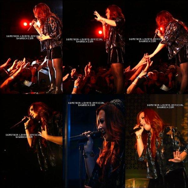 .02.12.2011 Demi a participée au Acoustic Chritmas 2011 a Nashville dans le  Tennessee  .