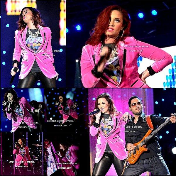 .04.02.2012 Demi a performait  au Festival Iquique au Chili  .
