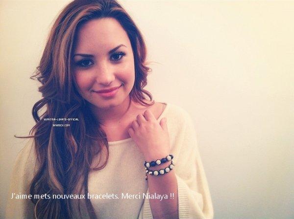 .Decouvre le Trailer du reportage fait par la chaine MTV U.S.A sur Demi Lovato   Demi Lovato a Annoncé la Nouvelle sur son Twitter «Lovatics-Je voulais juste vous dire que j'ai travaillée exptionnellement  avec MTV. La première et le 6 Mars a 22h00 ( en U.S.A )#staystrong »  Le reportage s'appelle «  Demi Lovato: Stay Strong »  « Je voulais partager mon histoire, mais je savais qu'il fallait que je sois honnête. » a déclaré Demi, dans un communiqué. « J'ai des difficultés quotidiennes, tellement d'ados luttent pour se sentir bien dans leur peau.  Si le fait de partager mon histoire peut aider ne serait-ce qu'une personne à rester forte, où a demander de l'aide, alors j'aurais réussi ma mission » .