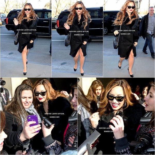 -04.03.2012: Demi a participé au Borderfest  a Hidalgo au Texas 06.03.2012:Demi s'est rendu au studio de NBC pour l'émission  «TODAY SHOW»a New-York -