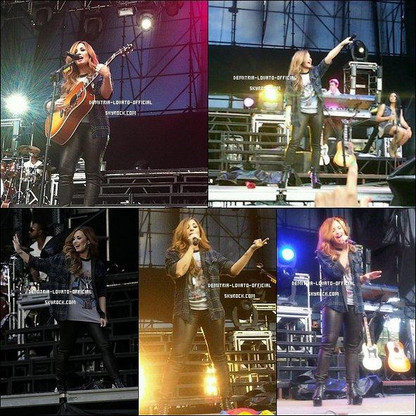 -15.04.2012 : Demi a donner un concert pour sa tournée au Caracas au Venezuela -