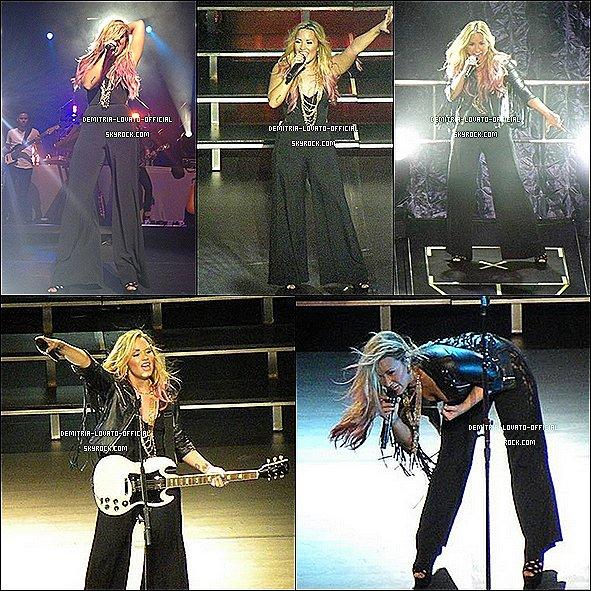 -24.06.2012 Demetria a donnée un autre concert a Wolf Trap  Filene Center de Vienna,Va  -