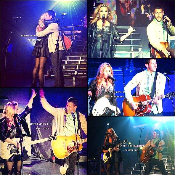 -18.07.2012 Demi a fait un concert exceptionnelle au Greek Theater de Los Angeles, CA   A ce concert était présent sa famille, L.A Reid, Debby Ryan, Khloe Kardashian,Nick Jonas,  et plein d'autres célébrités -