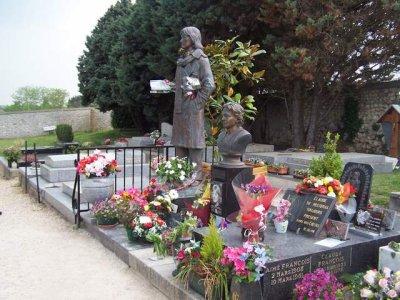 La tombe de Claude Francois