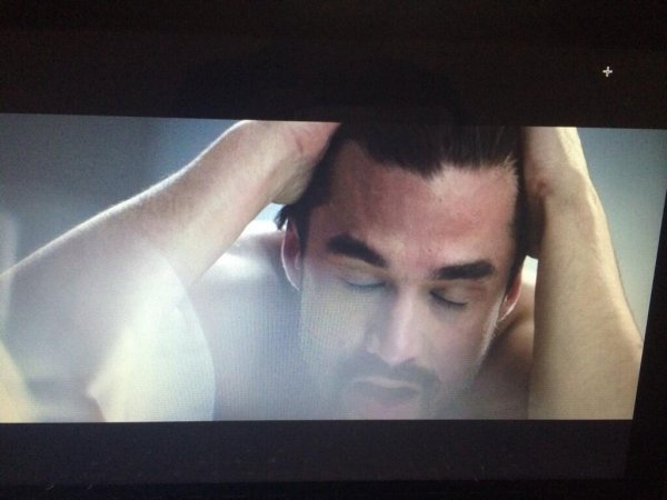 """Capture d'écran du clip """"Arrête"""""""