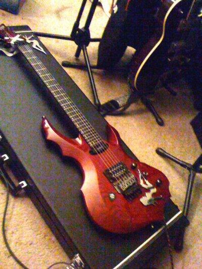Sa guitare!