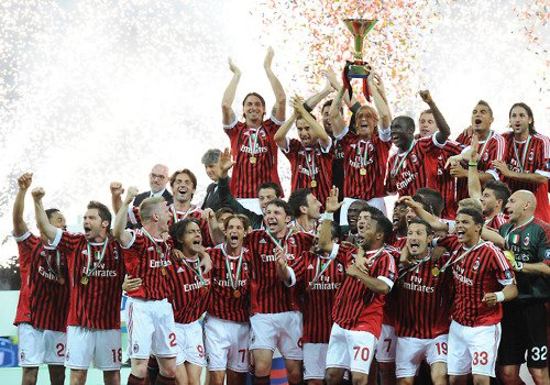 we are the champions  milanista the best and fuck the rest  i love yuo milano