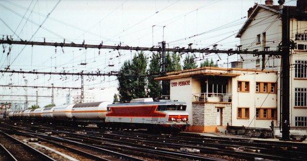 Séquence SOUVENIR N° 2  une journée en gare de Lyon Perrache en août 1990