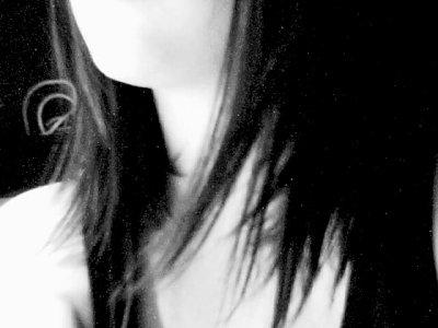 Et Comme ça, même si c'est pas pour longtems, un jour si t'as le temps, si il fait beau, que tu sais pas quoi faire, qu'il fait trop chaud ou trop froid, que tu te perd, que tu veux passer le temps, que rien ne te semble facile, ou juste parce que t'en a envie , Tu voudrais pas m'aimer ? ♥