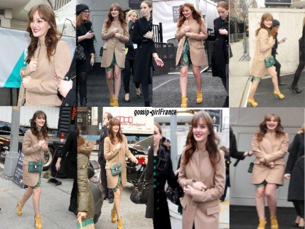 Candids de  Blake Lively du 15/02/2012 à la soirée de Mercedes Benz & candids de  Leighton Meester du 7/02/2012 à New York