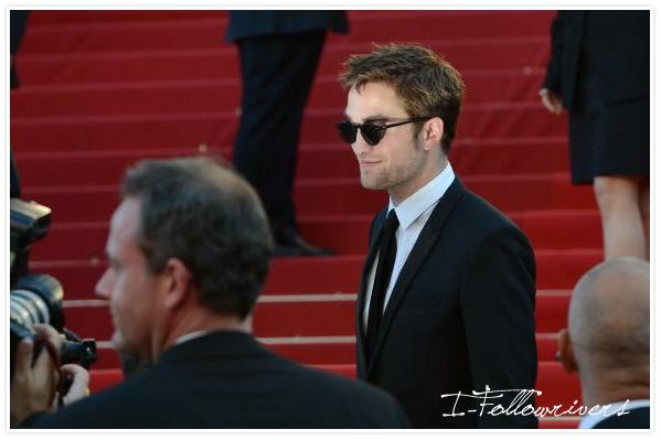 Du haut d'une échelle j'ai pris Robert P. à la montée des marches à Cannes **