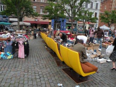 ça ne manque pas de place assisse au Vieux Marché