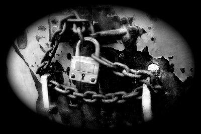 La vie est faite de portes. Pour les ouvrir, il suffit de trouver les bonnes clés ...
