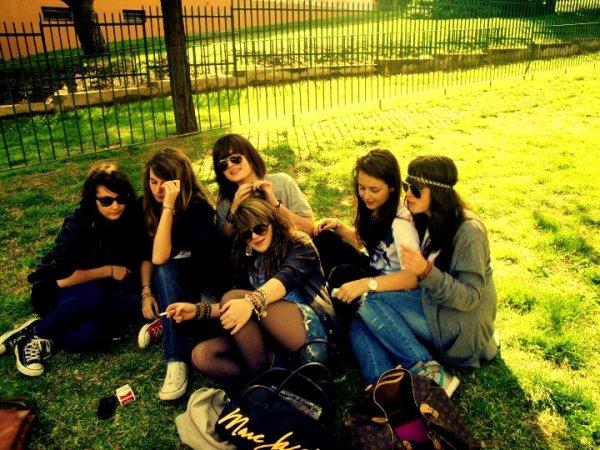 Il n'y a pas d'amis, juste des moments d'amitié.