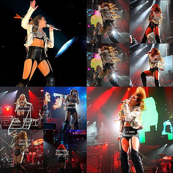 .  26JUIN2011__ Mile Ray Cyrus à donner un concert à Sydney dans le cadre du « Gyspy Heart Tour » en Australie.