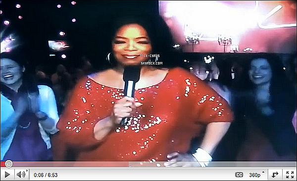 """DÉCOUVRE MILEY CYRUS CHEZ L'ÉMISSION DE OPRAH DIFFUSÉ LE 13 AVRIL !   L'émission d'Oprah était intitulé """"Spécial Rock Godesses"""". Pour regarder la vidéo, clique sur l'image. Tu aime son passage ?"""