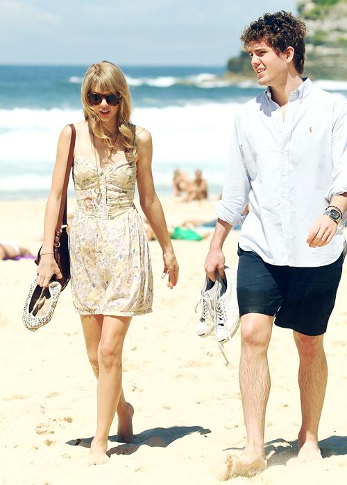 FLASHBACK - Le 10 Mars 2012 : à Sydney, en compagnie de son frère.