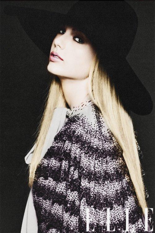 Taylor en couverture de Elle