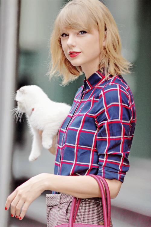 25 Septembre : Tay quittait son appartement de New York avec Olivia pour se rendre au Canada