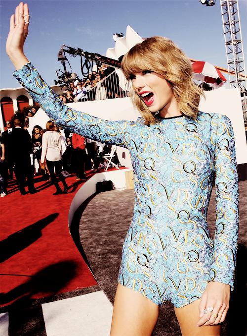 24 Août 2014 : Taylor s'est rendue aux Video Music Awards !
