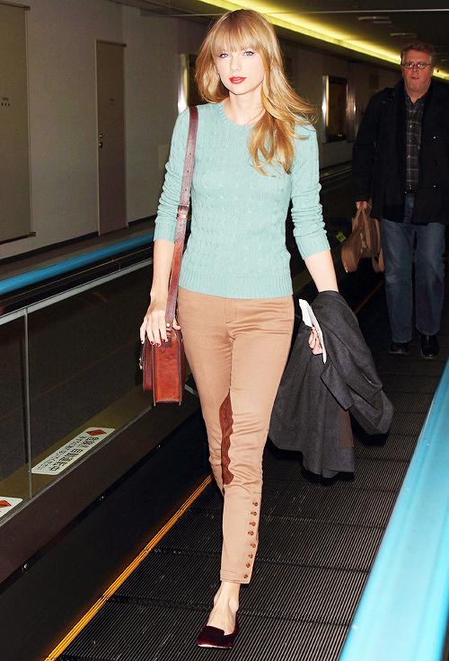 21 Novembre - Taylor arrivait au Japon