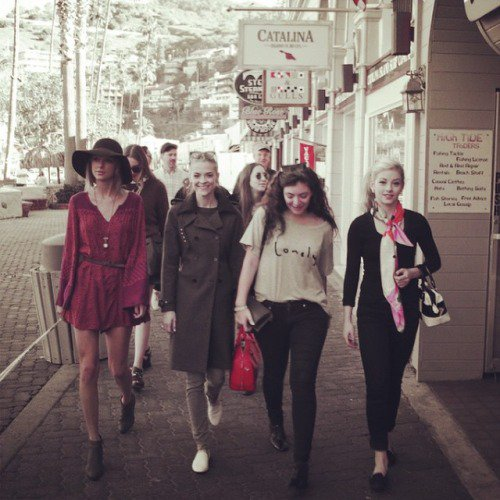 13 Janvier : se baladant à Los Angeles avec Lorde