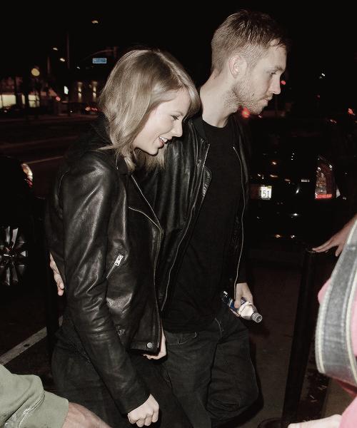Taylor et Calvin Harris ont été photographiés alors qu'ils se rendaient à et quittaient un concert de Haim à Los Angeles !