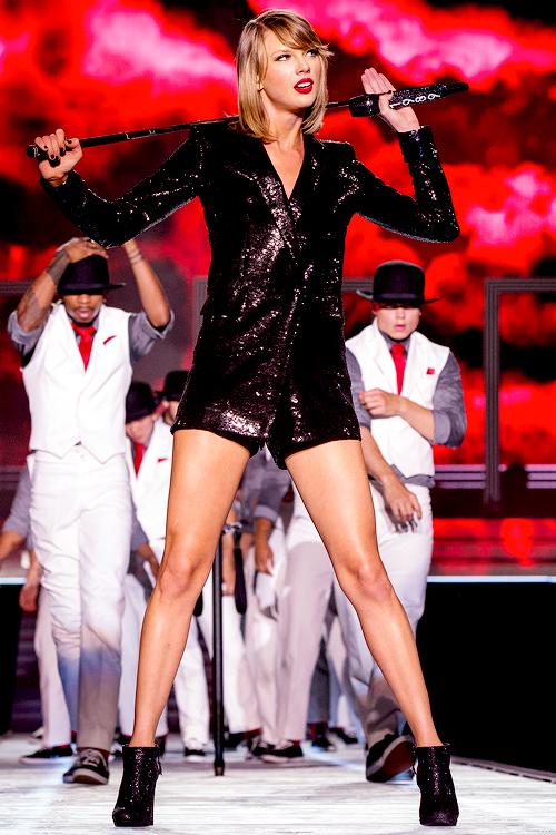 Taylor en couverture de Maxim (USA) & Marie-Claire (Afrique du Sud)