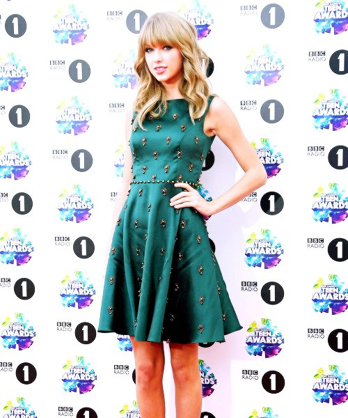 "Taylor a assisté aux ""BBC Radio 1 Teen Awards"" le 3 Novembre 2013 à Londres."