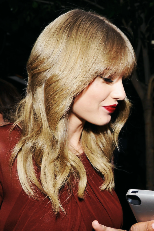 Taylor a assisté à la Weinstein Company's Holiday Party le 21 Novembre au soir à Los Angeles.