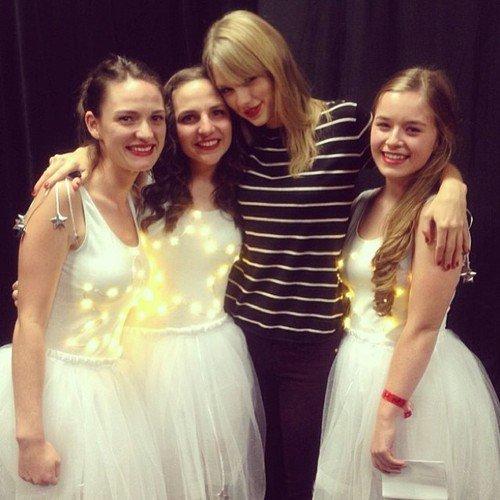 Photos avec des fans après les concerts du 29 et du 30 Novembre en Nouvelle-Zélande