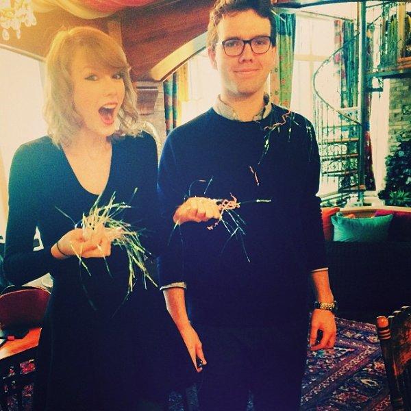 Le 09 Mars Taylor et Lorde s'amusaient devant l'objectif des paparazzi à New York :)