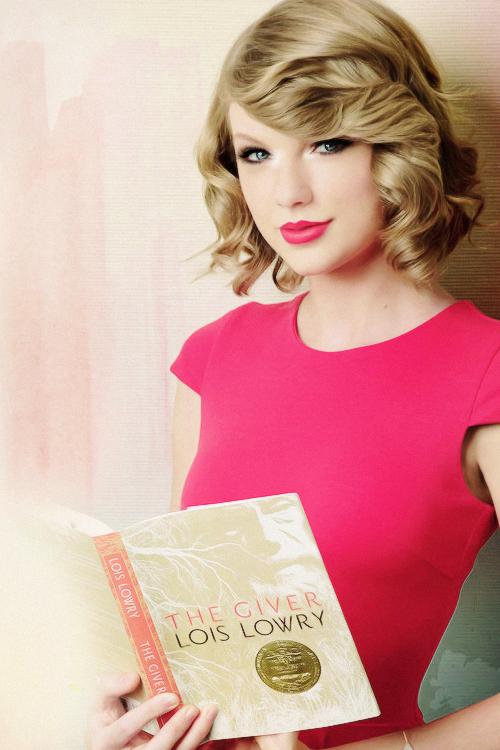 Taylor fait partie d'une campagne nommée READ, qui a pour but de pousser les jeunes à lire.