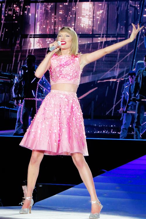 Quelques photos de ses concerts à Louisville (Kentucky) et Pittsburgh (Pennsylvanie), les 02 et 06 Juin derniers.