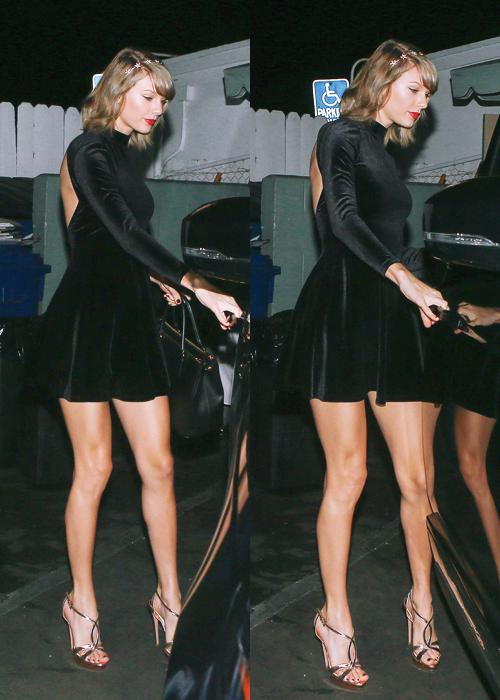 """Taylor performant ses titres """"Blank Space"""", """"Wildest Dreams"""", et """"Out of the woods"""" le 30 Septembre dernier"""