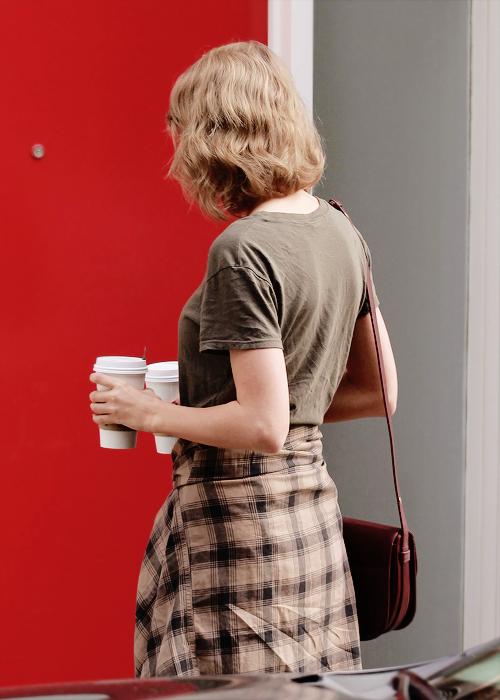 Le 17 Janvier, Taylor a été repérée sortant d'un restaurant de Los Angeles