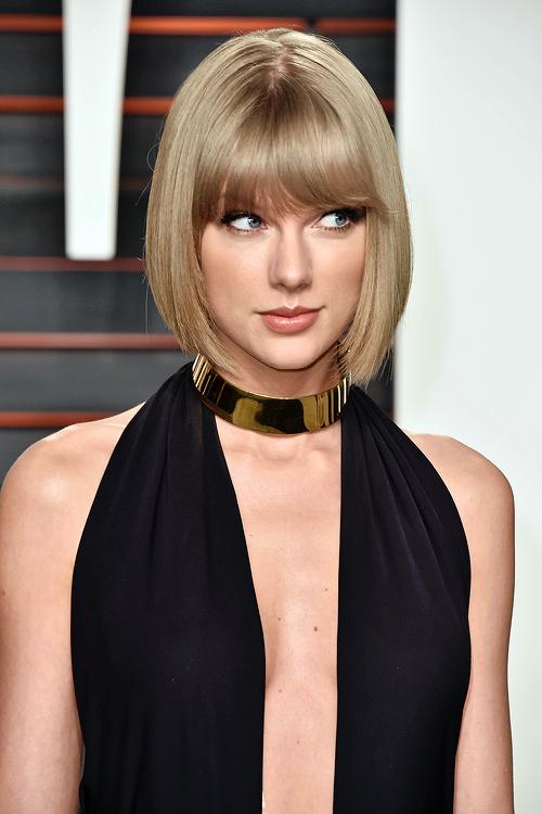 """Le 28 Février, Taylor s'est rendue à la soirée """"Vanity Fair Oscar Party"""", où elle a posé avec Lorde."""