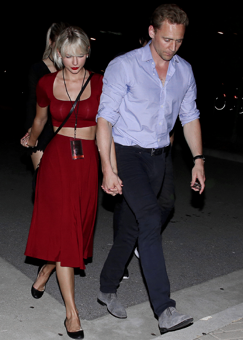 Le 21 Juin, Taylor et Tom ont été photographiés à la sortie d'un concert de Selena Gomez, à Nashville.