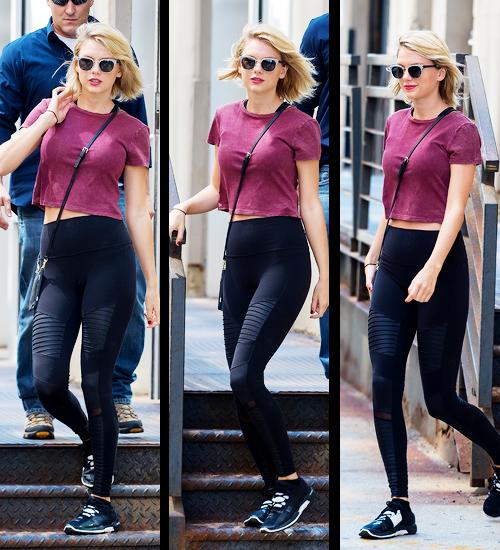 Pour l'anniversaire de Karlie Kloss le 03 Août, Taylor a posté cette photo :)