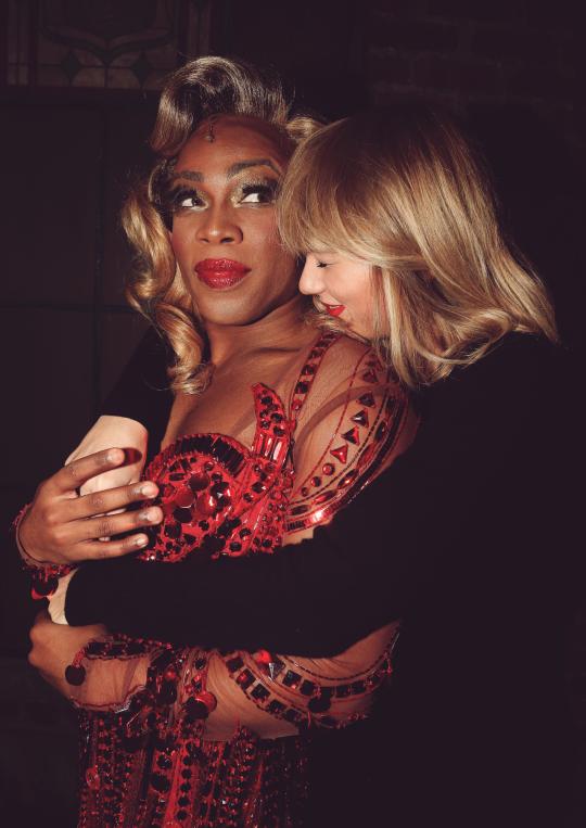 Ce 23 Novembre, Taylor a été vue dans les rues de NYC.