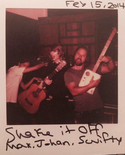 Photos : Dans les backstages après son concert du 04/02/17, Novembre 2016 dans les coulisses de la pièce Kinky Boots à Broadway, et la dernière date du 15/02/14 lors de l'enregistrement de la chanson Shake it Off