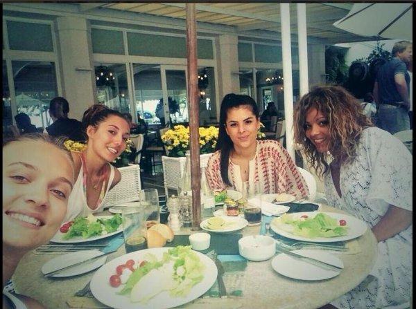 Tiziri, la copine de Pogba et des amies à Rio de Janeiro