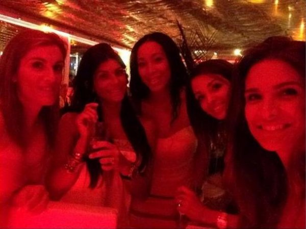 Hayet Abidal et des amies à St Tropez